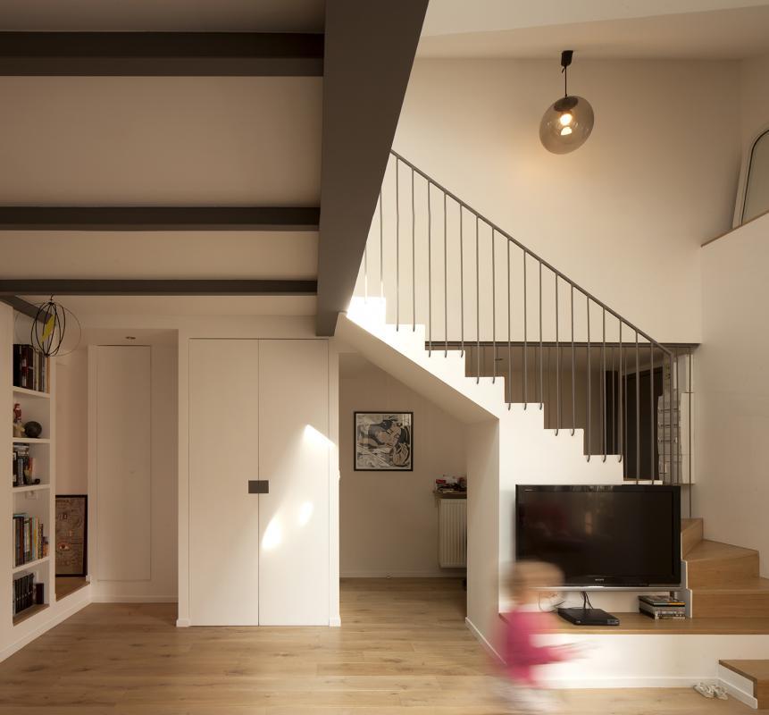 Appartement duplex a saint mande cairos architecture et paysage - Escalier milieu de piece ...
